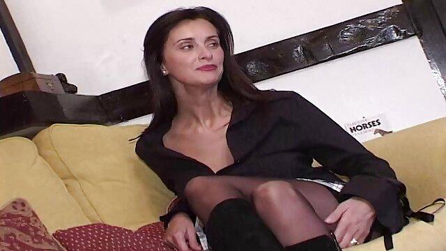Belle reine beuaty dominicaine donnant la film francais amateur porno tête à son copain