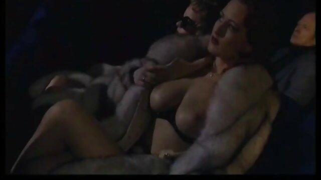 jeune amateur potelé avec des cintres sexy baise en film x amateur francais extérieur