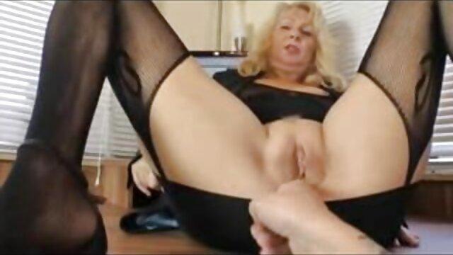 Minka Bull baise Summer Cummings dans film porno amateur francais gratuit une chienne à fond mou