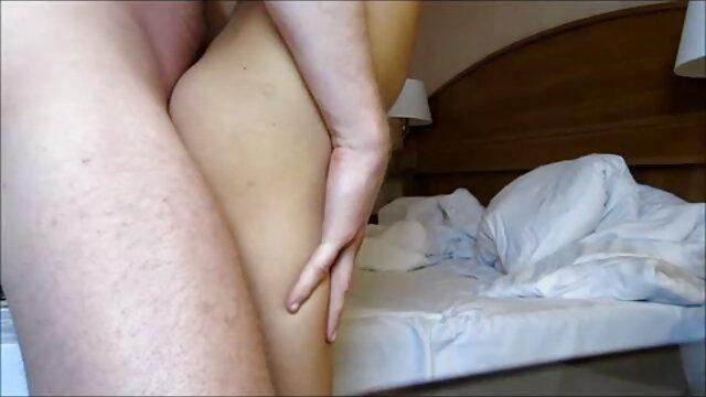 Hot porno amateur gratuit français Latino Milf se fait gangbanger!