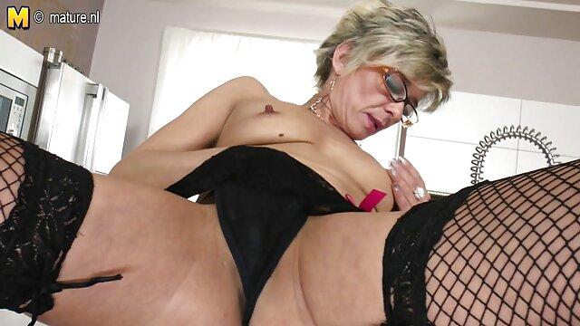 Timide Angela ayant des relations video amateur francais porno sexuelles pour la première fois