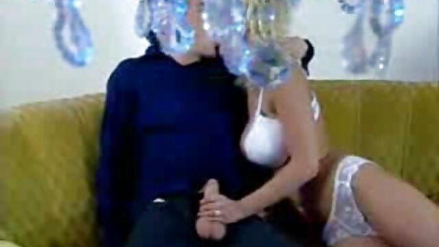 Jolie chatte humide se film porno français amateur masturbe