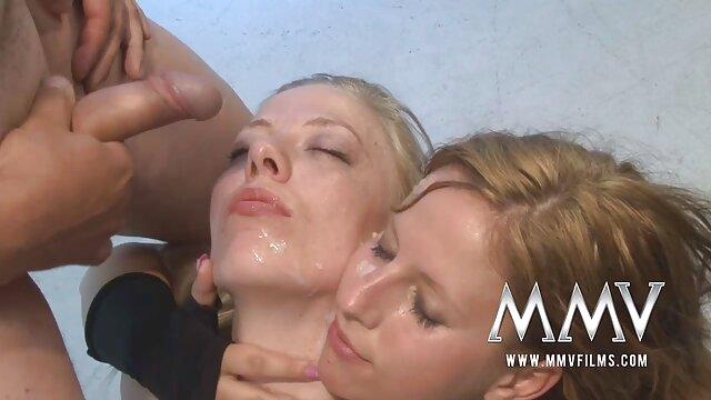 Deux chaudasses film porno français amateur en collants donnent des instructions