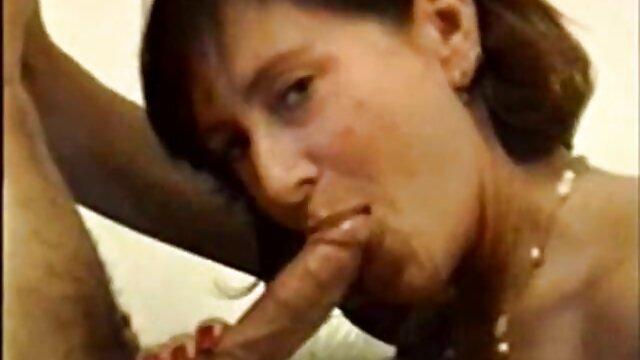 amateur fille percée baise dans la film porno français amateurs toilette. BDS