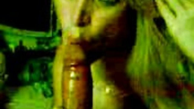 Ron Jeremy et Tweety Valentine - Pipe avec film x amateur en francais chauffeur de bus