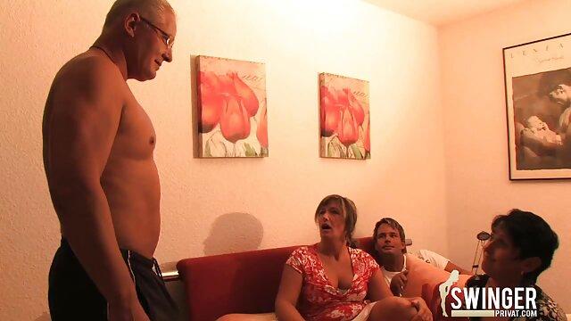 Kinky filles asiatiques en film x français amateur lingerie haute cuisse baise