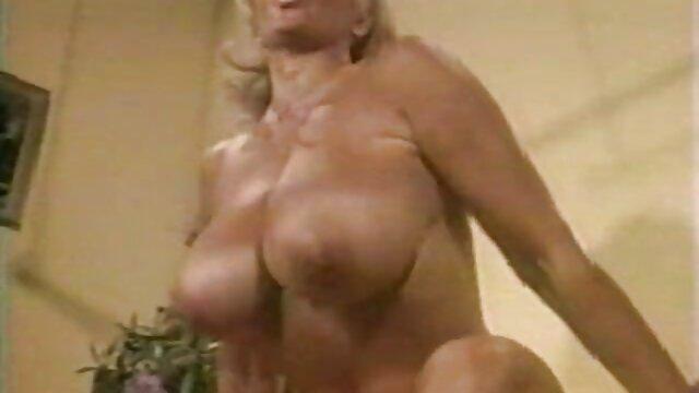 Emily en plein air vert film porno amateur en francais