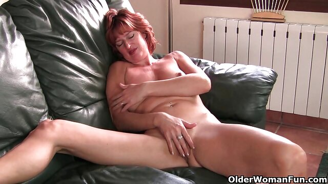 Horny MILF rebondit video porno gratuit amateur sur une BBC